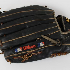 Circa 1990 Minnesota Twins - Kirby Puckett Game-Used, Worn Baseball Glove (PSA/DNA LOA)