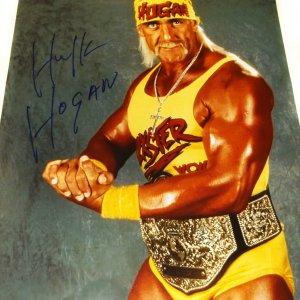 WWE Legend Hulk Hogan Signed 16x20 Photo