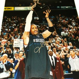 Philadelphia 76ers Allen Iverson Signed 16x20 Photo