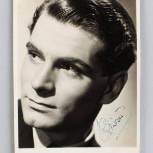 Henry V - Laurence Olivier Signed 5x7 Vintage Photo (JSA COA)
