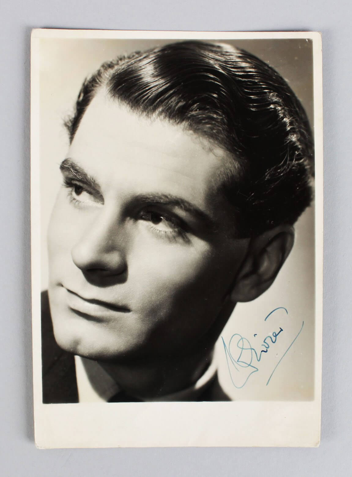 Henry V - Laurence Olivier Signed 5x7 Vintage Photo - COA JSA