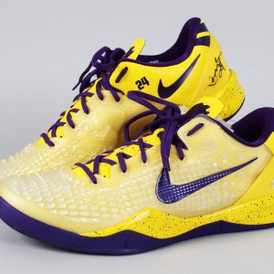 2013 Los Angeles Lakers - Kobe Bryant Worn, Signed Nike Zoom VIII Christmas Sneaker Shoes (JSA Full LOA)