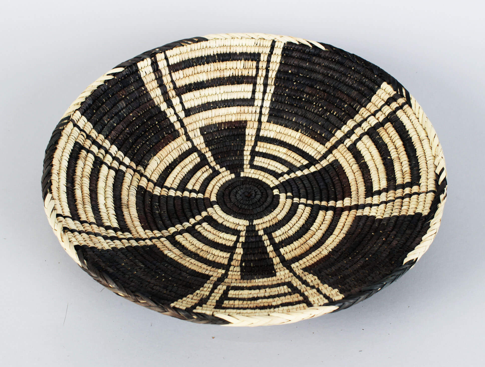 Pima Popoga Native Indian Weaved Parching Tray Basket58041_01
