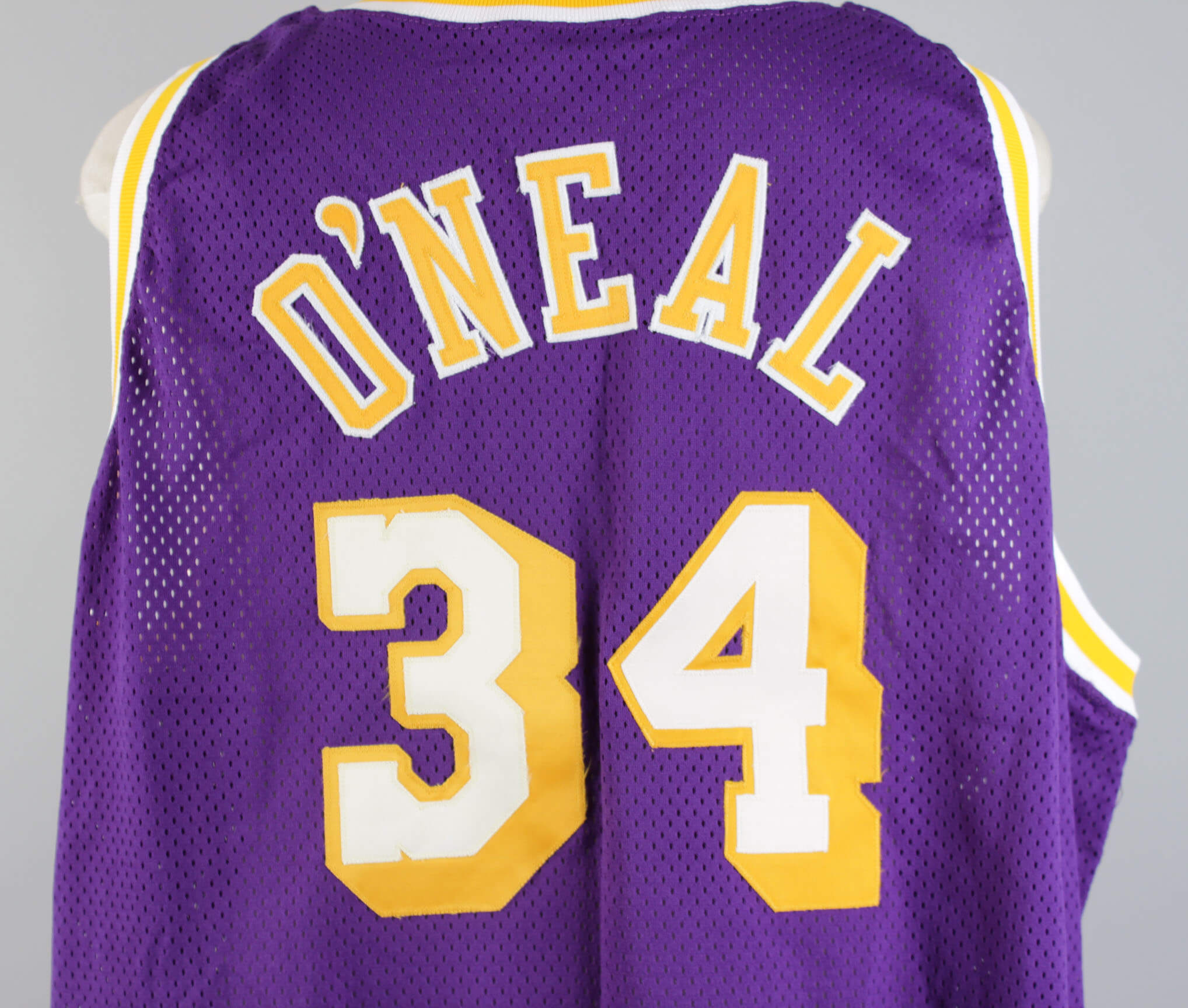 e251b363426 1996-97 Los Angeles Lakers – Shaquille O Neal Game-Worn Jersey