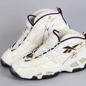 Shaquille O'Neal Los Angeles Lakers Worn, Signed Reebok Dunkmob Sneakers Shoes Size 22 JSA