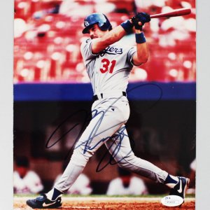 Los Angeles Dodgers - HOF'er - Mike Piazza Signed 8x10 Photo - COA JSA