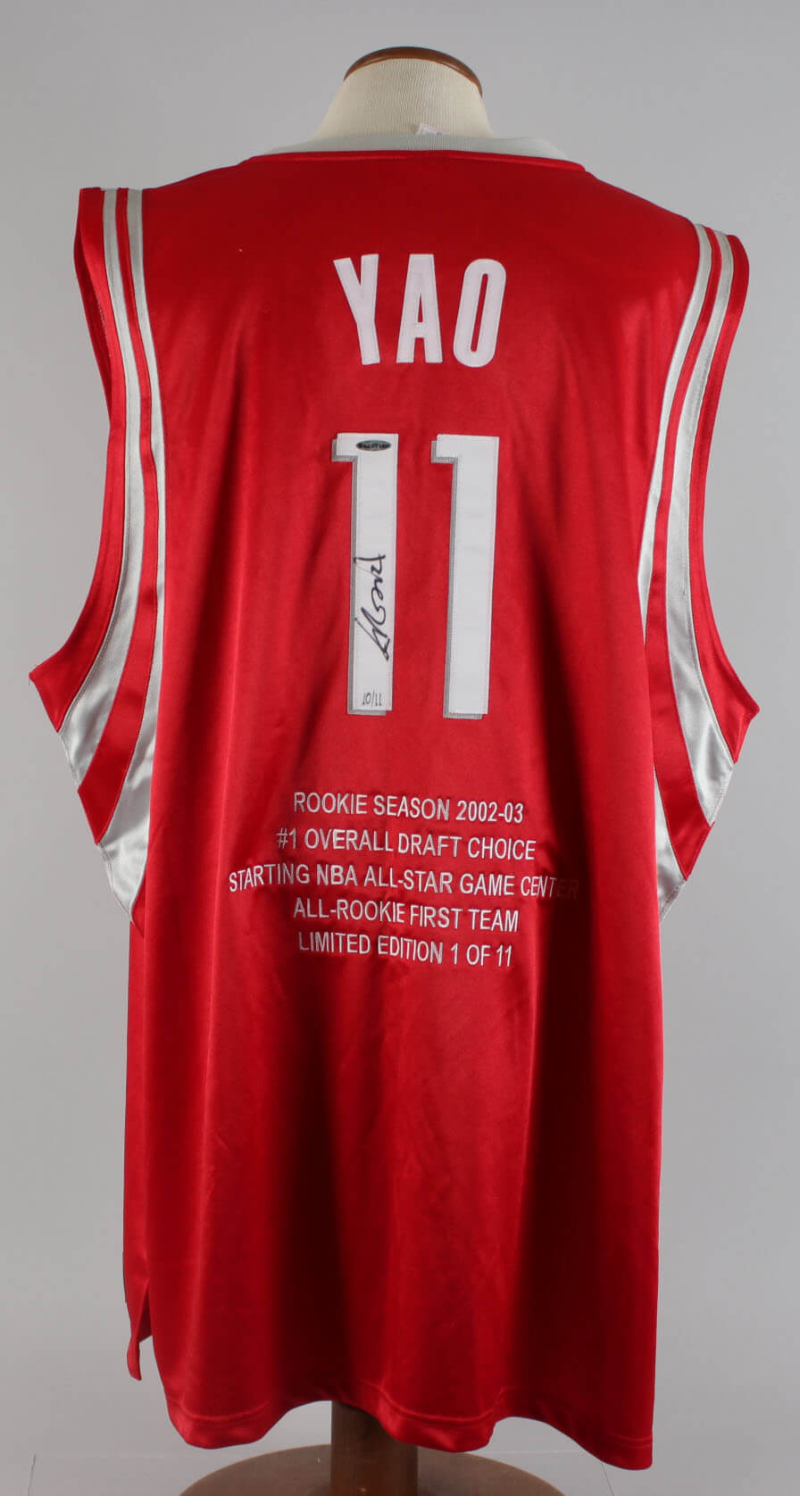 cheaper 55709 590fe Yao Ming Houston Rockets Signed LE 10/11 Jersey & 2002-03 Bowman Auto RC  Card 467/999 - (UDA & BGS)
