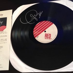 Taylor Swift Signed RED LP JSA FULL LETTER VERY RARE