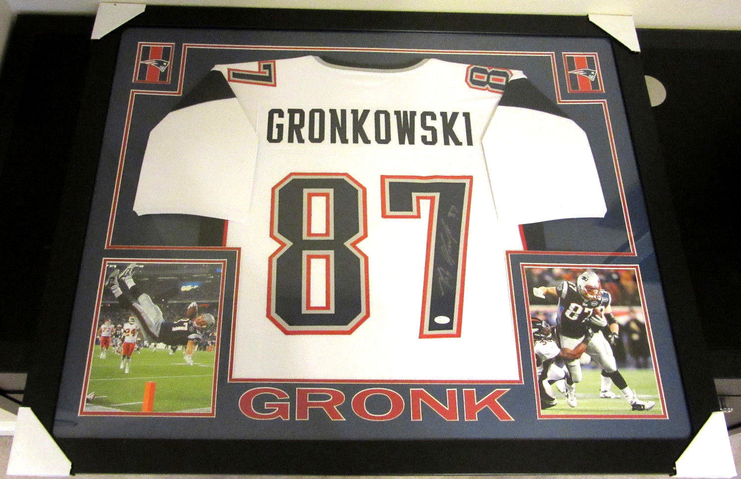 finest selection d10cb 4397e ROB GRONKOWSKI AUTHENTIC AUTOGRAPHED FRAMED AND MATTED N.E PATRIOTS JERSEY