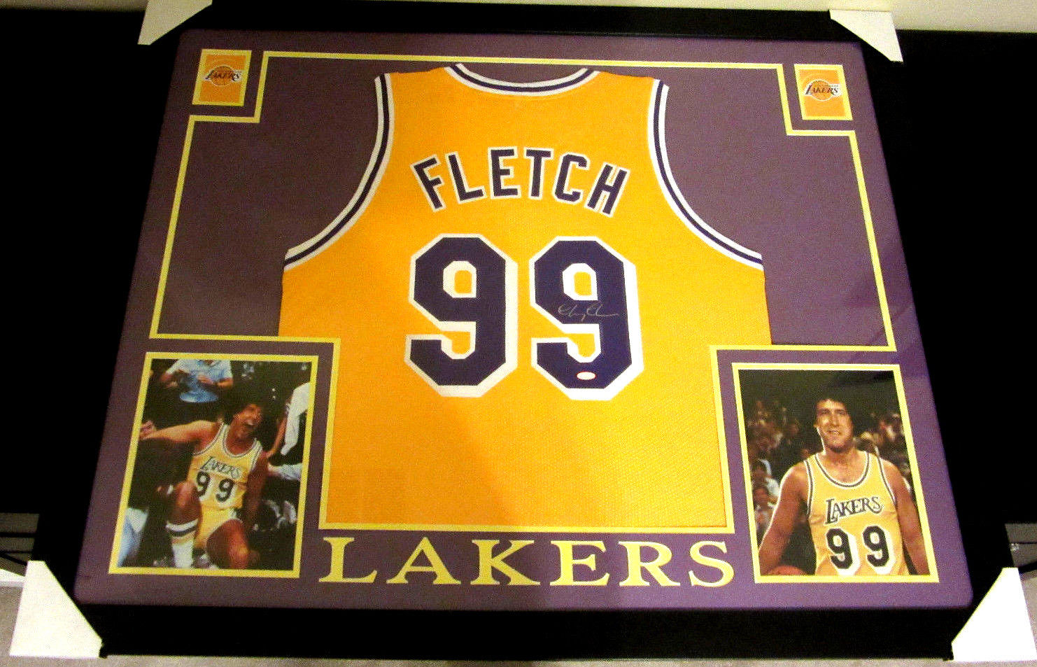 "8be71257b10e CHEVY CHASE AUTHENTIC AUTOGRAPHED FRAMED AND MATTED ""FLETCH"" LAKERS JERSEY"