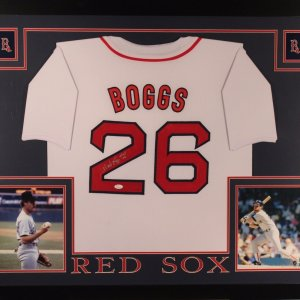WADE BOGGS AUTHENTIC AUTOGRAPHED FRAMED AND MATTED BOSTON RED SOX JERSEY