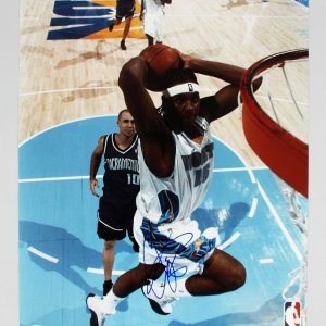 Denver Nuggets - Carmelo Anthony Signed 16x20 Photo - PSA/DNA