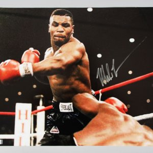 Boxing - Mike Tyson Signed 16x20 Photo - COA GAI