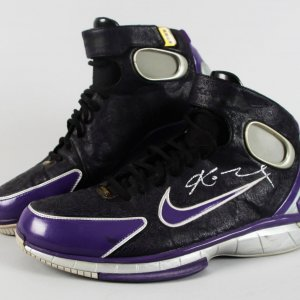 123066f5b3a Los Angeles Lakers - Kobe Bryant Game-Worn