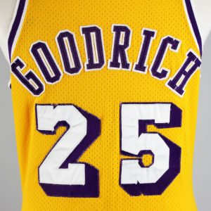 1975-76 Los Angeles Lakers Goodrich Game-Worn Yellow Mesh Jersey w/ Shorts  Score: 13/20