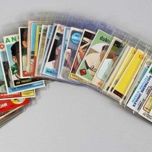Vintage Baseball HOFers & Stars Card Lot 30+ Incl. Bell Brand, Bench, Aaron, Snider, Robinson etc.