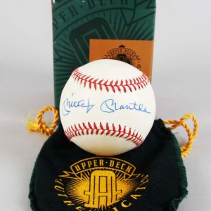 New York Yankees - Mickey Mantle Signed OAL Baseball - COA UDA