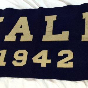 1942 Yale University Large School Banner