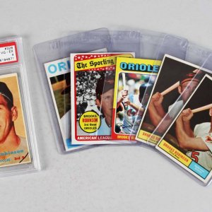 Orioles - Brooks Robinson (6) Card Lot 1957 Rookie Graded PSA VG-EX 4, (2) '61, '64 etc.