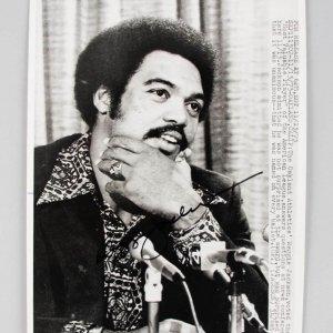 1973 Reggie Jackson Oakland A's Signed 8x10 News Photo MVP - COA JSA