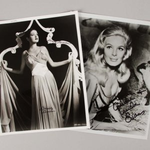 Actresses - Dorothy Lamour & Linda Evans Signed 8x10 Photo Lot - JSA