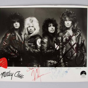 Motley Crue Band Signed 8x10 B&W Elektra Photo Sixx,Neil,Mars,Lee
