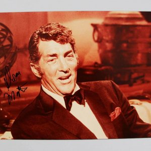Actor Singer Rat Pack Dean Martin Signed 8x10 Photo (JSA Full Letter)