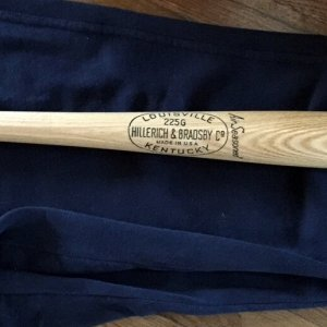 Thurman Munson MINT Louisville Slugger 225G Store Model Bat UNUSED 1960's-70's New York Yankees
