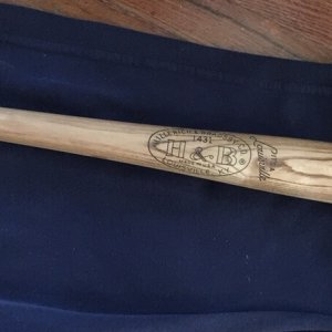 Ernie Banks Vintage Mint H&B 1431 Model Hillerich & Bradsby Co. Baseball Bat Unused 31""