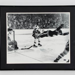 "Bobby Orr Signed Boston Bruins ""Flying Goal""16x20 Photo Display - COA Steiner"