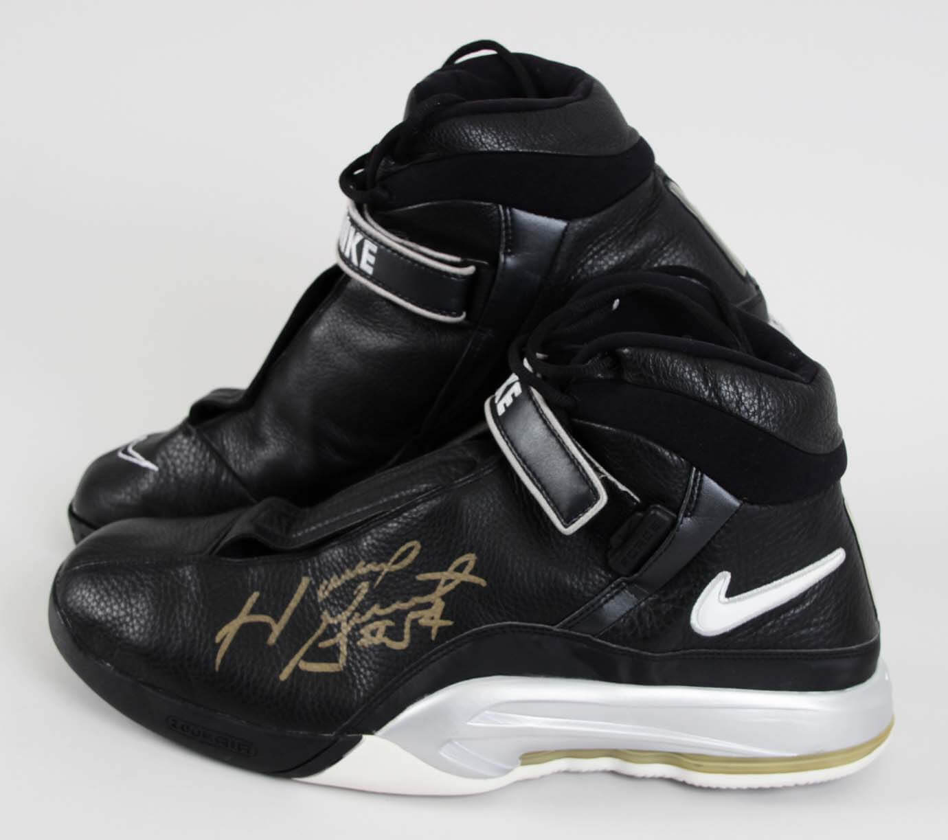 04005f038d8 Autographed Item  Game-Worn Shoes