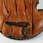 Circa 1938-41 Bill Dickey Model Vintage Yankees Catchers Mitt Glove