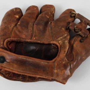 Circa 1938-42 Vintage Wilson Pro Model Baseball Glove