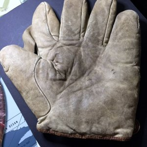 Antique Vintage Spalding 1908 One Inch Sewn Web Baseball Glove
