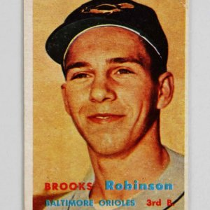 1957 Topps Brooks Robinson Rookie Baseball Card #328 Baltimore Orioles