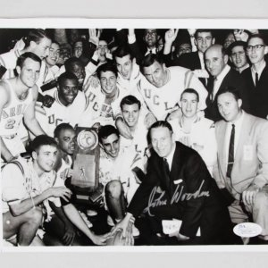 John Wooden Signed 8x10 UCLA Bruins Photo - COA JSA