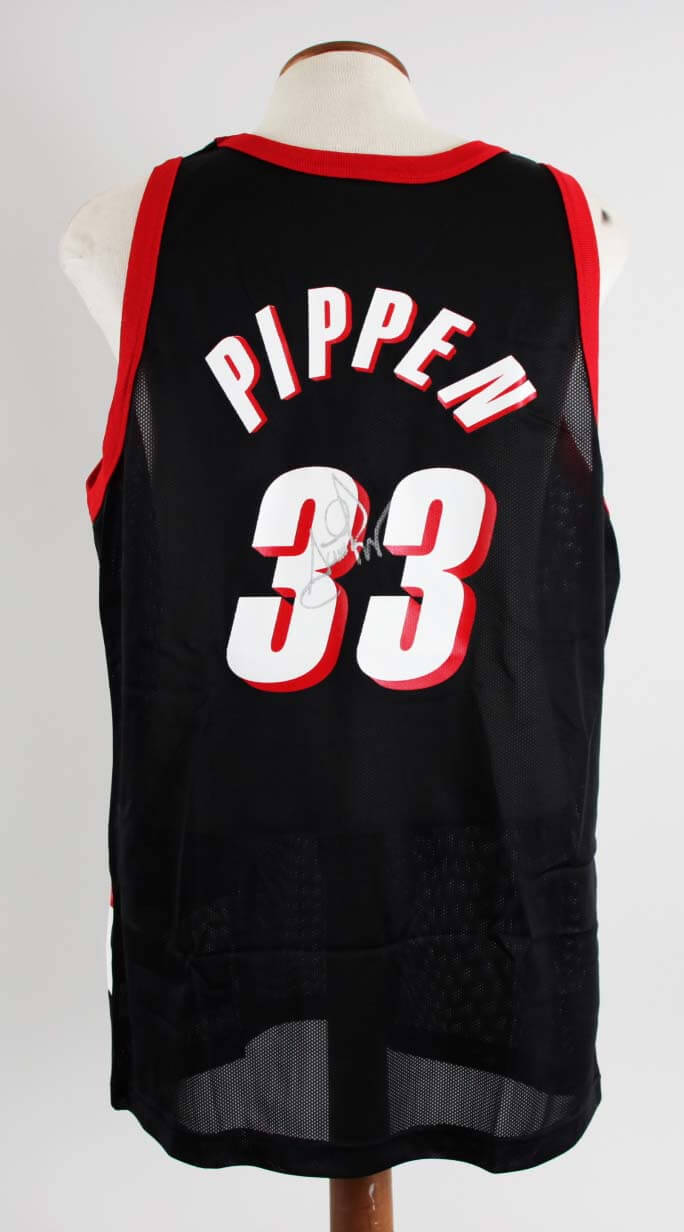 the latest 960c8 3d980 Scottie Pippen Signed Portland Trail Blazers Jersey - COA JSA