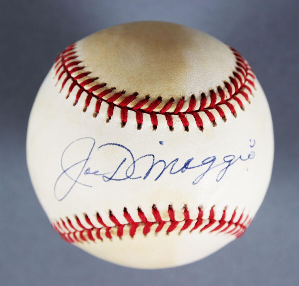 Joe DiMaggio New York Yankees Signed baseball -JSA Full LOA