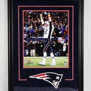 Tom Brady Signed New England Patriots 16x20 Photo - COA TriStar