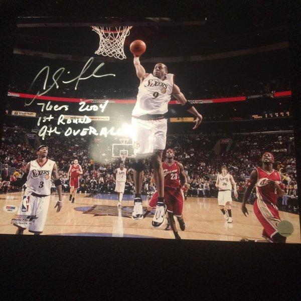 NBA Star Andre Iguodala Signed Rookie Photo 16x20 inscription PSADNA
