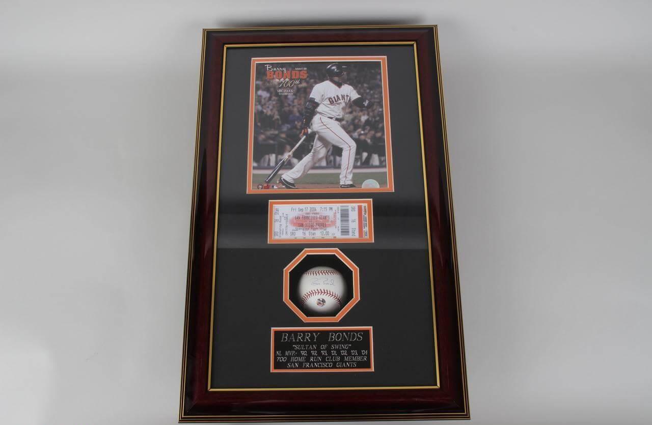 Barry Bonds Signed Baseball Ticket & Photo Display 700th HR. Fri Sep 17 2004 ( Players Hologram)