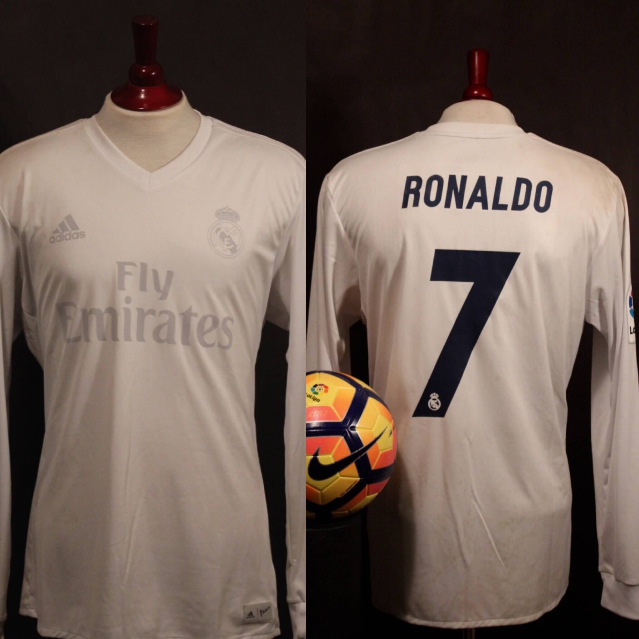 finest selection 70caa 8876b A Cristiano Ronaldo Game-Used #7 Real Madrid CF Home Shirt + Match Ball +  Programme. 11/26/2016 Real Madrid v Sporting Gijon.