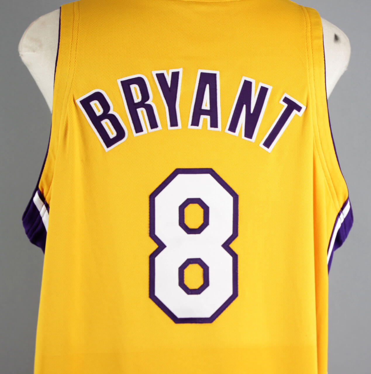 a3fa8ac28 2000-01 Kobe Bryant Game-Worn Los Angeles Lakers Jersey – COA 100% Team