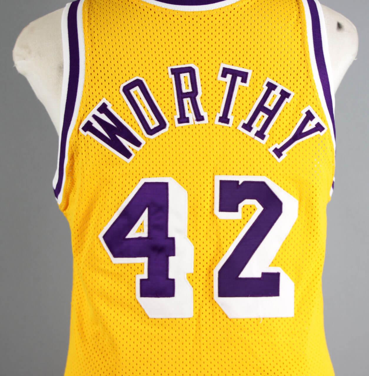 1989 James Worthy Game-Worn Los Angeles Lakers Jersey – COA 100% Team 2db163bdd
