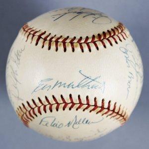 1972 Atlanta Braves Team Signed ONL (Feeney) Baseball Incl. Eddie Mathews, Dusty Baker