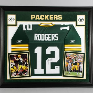 Aaron Rodgers Signed Green Bay Packers Jersey Display Mounted Memories
