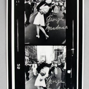 George Mendonsa Signed VJ Day Kiss WWII Photo - COA PSA/DNA