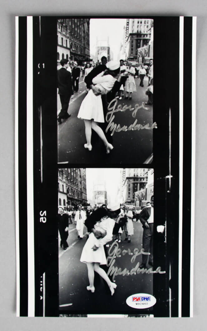 George Mendonsa Signed VJ Day Kiss WWII Photo - COA PSA/DNA