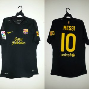 A Lionel Messi Game-Used #10 FC Barcelona Away Shirt. 2011/12 LFP Season.