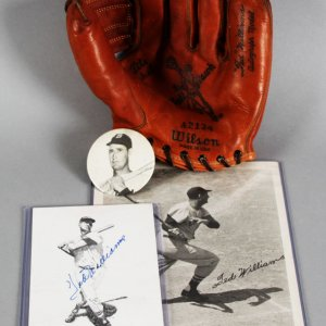 Ted Williams Boston Red Sox Signed Photo w/ Wilson Baseball Glove - JSA